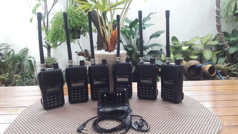 Sewa HT Jakarta | Rental Handy Talky | Penyewaam Radio Walkie Talkie Vendor tempat jasa sewa ht di Jakarta, rental handy talky gsm Cafsky, radio walkie talkie poc, ht 4g lte, Icom IC-V80, Toriphone TP 998 DLX, Tori TH 300, HT Firstcom FC 27, Baofeng BF-888S harga murah kualitas terbaik.